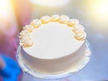 Κλείστε επάνω το πορτοκάλι κτυπά το κέικ κρέμας Στοκ φωτογραφία με δικαίωμα ελεύθερης χρήσης