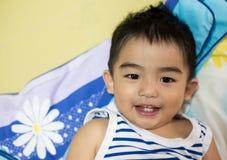Κλείστε επάνω το πορτρέτο του ασιατικού αγοριού, που χαμογελά τη δράση Στοκ φωτογραφίες με δικαίωμα ελεύθερης χρήσης