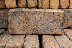 Κλείστε επάνω το σωρό των κόκκινων τούβλων Στοκ φωτογραφίες με δικαίωμα ελεύθερης χρήσης