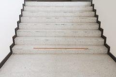 Κλείστε επάνω, τρόπος επάνω η βεράντα σκαλοπατιών, μαρμάρινο πάτωμα Στοκ φωτογραφία με δικαίωμα ελεύθερης χρήσης