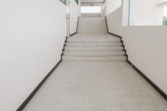 Κλείστε επάνω, τρόπος επάνω η βεράντα σκαλοπατιών, μαρμάρινο πάτωμα Στοκ φωτογραφίες με δικαίωμα ελεύθερης χρήσης
