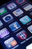 Κλείστε επάνω των εικονιδίων στο smartphone Στοκ φωτογραφία με δικαίωμα ελεύθερης χρήσης
