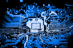 Κλείστε επάνω των ηλεκτρονικών κυκλωμάτων στην τεχνολογία στον κύριο πίνακα υποβάθρου Mainboard, τη μητρική κάρτα ΚΜΕ, τον πίνακα Στοκ εικόνες με δικαίωμα ελεύθερης χρήσης