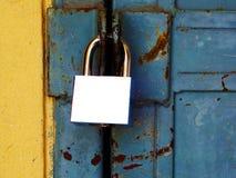 Κλείστε κλειδωμένος την πόρτα Στοκ φωτογραφίες με δικαίωμα ελεύθερης χρήσης