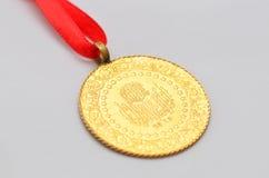 Κλείστε μέχρι το τουρκικό παραδοσιακό χρυσό νόμισμα Στοκ φωτογραφία με δικαίωμα ελεύθερης χρήσης