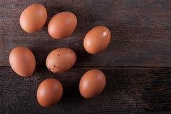 Κλείστε του φρέσκου αυγού κοτόπουλου, αυγά Πολλά φρέσκα κίτρινα αυγά κοτόπουλου Στοκ φωτογραφίες με δικαίωμα ελεύθερης χρήσης