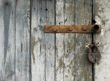 Κλείδωμα σε μια παλαιά πόρτα Στοκ Φωτογραφία