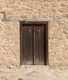 κλειστή πόρτα ξύλινη Στοκ φωτογραφία με δικαίωμα ελεύθερης χρήσης