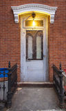 Κλειστή πόρτα σε Greenpoint, κοντά σε Williamsburg στο Μπρούκλιν Στοκ φωτογραφία με δικαίωμα ελεύθερης χρήσης
