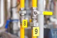 Κλειστός βαλβίδα εφοδιασμός υγραερίου ετικεττών σωλήνων Στοκ φωτογραφία με δικαίωμα ελεύθερης χρήσης