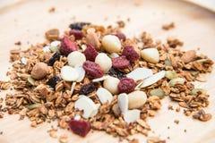 Κλειστός επάνω και υγιή τρόφιμα προγευμάτων θαμπάδων, granola, musli, όργανο Στοκ Εικόνες