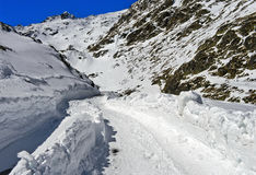 Κλειστός δρόμος περασμάτων το χειμώνα, μεγάλο πέρασμα του ST Bernard, Ελβετία Στοκ φωτογραφίες με δικαίωμα ελεύθερης χρήσης