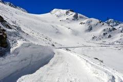 Κλειστός δρόμος περασμάτων το χειμώνα, μεγάλο πέρασμα του ST Bernard, Ελβετία Στοκ Εικόνα