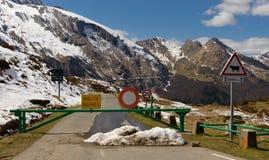 Κλειστός δρόμος στα βουνά Στοκ Εικόνες