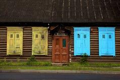 Κλειστό ξύλο παράθυρο Στοκ εικόνα με δικαίωμα ελεύθερης χρήσης