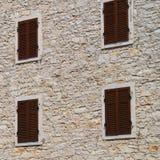 κλειστό παράθυρο παραθυρόφυλλων στοκ εικόνα με δικαίωμα ελεύθερης χρήσης