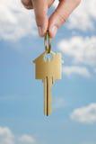 Κλειδί για ένα σπίτι ονείρου Στοκ φωτογραφίες με δικαίωμα ελεύθερης χρήσης