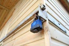 Κλειδαριά ασφάλειας υπόστεγων Στοκ Εικόνες