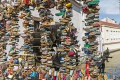 Κλειδαριές αγάπης στο φράκτη Στοκ Εικόνα