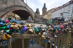 Κλειδαριές αγάπης Στοκ φωτογραφία με δικαίωμα ελεύθερης χρήσης