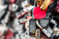 Κλειδαριές μετάλλων καρδιών Στοκ εικόνες με δικαίωμα ελεύθερης χρήσης
