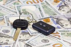 Κλειδιά αυτοκινήτων πέρα από το δολάριο Στοκ Εικόνες