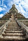 Κλιμακοστάσιο στον ουρανό σε Wat Arun, ορόσημο και Νο 1 τουριστικά αξιοθέατα στην Ταϊλάνδη. Στοκ εικόνες με δικαίωμα ελεύθερης χρήσης