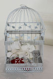 Κλουβί πουλιών γαμήλιων δώρων Στοκ φωτογραφία με δικαίωμα ελεύθερης χρήσης