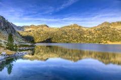 Λάκκα δ ` Aubert στον ορεινό όγκο Neouvielle Στοκ Εικόνες