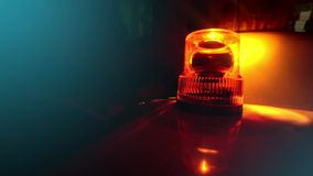 Λάμποντας αναγνωριστικό σήμα. Πορτοκαλί περιστρεφόμενο φως απόθεμα βίντεο