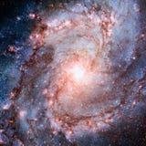 Λάμποντας σπειροειδής γαλαξίας στο διάστημα στοκ εικόνες