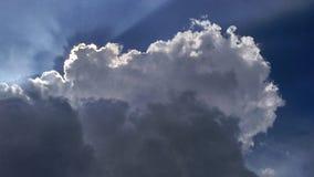 Λάμποντας σύννεφο Στοκ εικόνα με δικαίωμα ελεύθερης χρήσης
