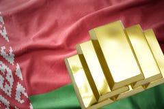Λάμποντας χρυσές ράβδοι στη λευκορωσική σημαία Στοκ εικόνα με δικαίωμα ελεύθερης χρήσης