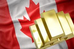 Λάμποντας χρυσές ράβδοι στη σημαία του Καναδά Στοκ φωτογραφία με δικαίωμα ελεύθερης χρήσης