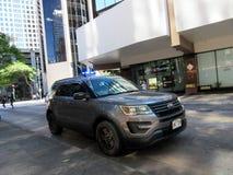 Λάμψη φω'των αστυνομίας SUV Αστυνομίας της Χονολουλού στην οδό ξενοδοχείων στοκ εικόνα με δικαίωμα ελεύθερης χρήσης