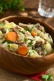 Λάχανο κραμπολάχανου, καρότο, πατάτα, Mincemeat Stew Στοκ φωτογραφία με δικαίωμα ελεύθερης χρήσης