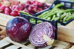 Λάχανο στην αγορά αγροτών στο Παρίσι, Γαλλία Στοκ Εικόνες