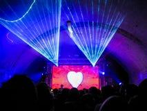 Λέιζερ 5, καρδιά νυχτερινών κέντρων διασκέδασης αγάπης Στοκ Εικόνα