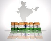 Λέξη Ινδία σε ένα υπόβαθρο χαρτών ελεύθερη απεικόνιση δικαιώματος