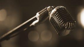 Λέσχη νύχτας - φωνητικό μικρόφωνο μετάλλων Στοκ εικόνες με δικαίωμα ελεύθερης χρήσης