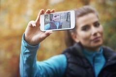 Λήψη της αυτοπροσωπογραφίας Στοκ φωτογραφία με δικαίωμα ελεύθερης χρήσης