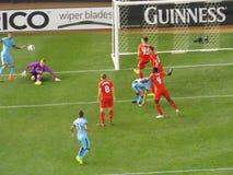Λίβερπουλ εναντίον του αγώνα ποδοσφαίρου πόλεων του Μάντσεστερ στοκ φωτογραφία