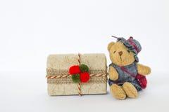 Λίγα teddy αντέχουν με το δώρο Χριστουγέννων Στοκ Εικόνες