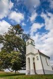 Λίγη εκκλησία κοντά σε Vinkovci - φθινόπωρο Στοκ φωτογραφία με δικαίωμα ελεύθερης χρήσης