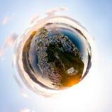 Λίγη εναέρια άποψη πλανητών Alesund, Νορβηγία στην ανατολή ζωηρόχρωμος ουρανός Στοκ φωτογραφίες με δικαίωμα ελεύθερης χρήσης