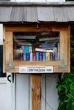 Λίγη ελεύθερη βιβλιοθήκη Στοκ Εικόνες