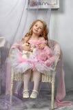Λίγη πριγκήπισσα στο ροζ Στοκ Φωτογραφία