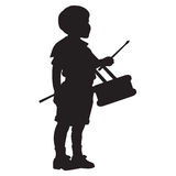 Λίγη σκιαγραφία αγοριών τυμπανιστών Στοκ εικόνα με δικαίωμα ελεύθερης χρήσης