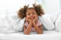 Λίγη στήριξη κοριτσιών αφροαμερικάνων Στοκ Εικόνες