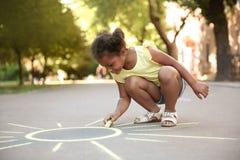 Λίγος ήλιος σχεδίων παιδιών αφροαμερικάνων Στοκ φωτογραφίες με δικαίωμα ελεύθερης χρήσης